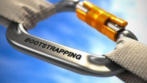 גיוס השקעה לעומת מימון עצמאי Bootstrapping